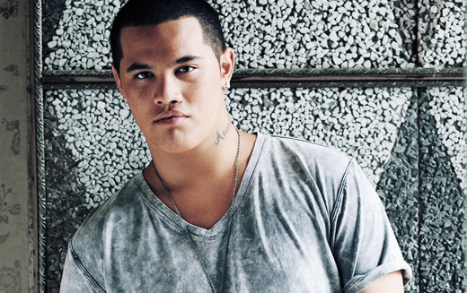 book Stan Walker