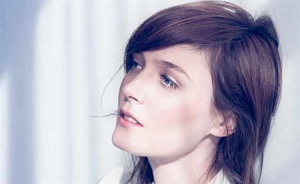 book pop singer Sarah Blasko