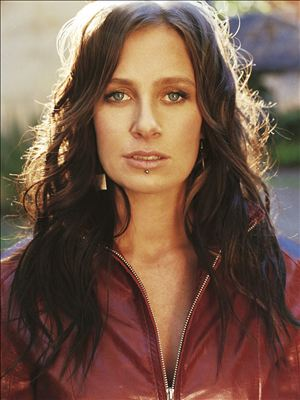enquire Australian celebrity Kasey Chambers
