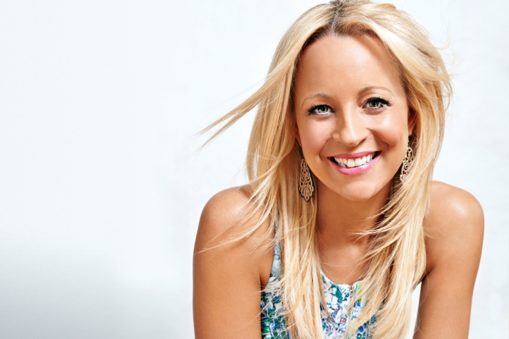 book Carrie Bickmore