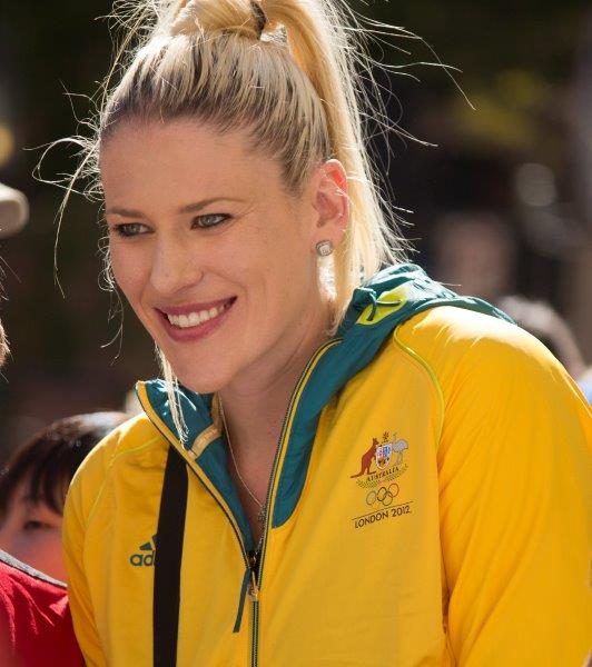 Lauren_Jackson_at_the_Welcome_Home_parade_in_Sydney_1