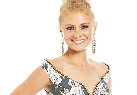 book Australian singer Michaela Baranov for events