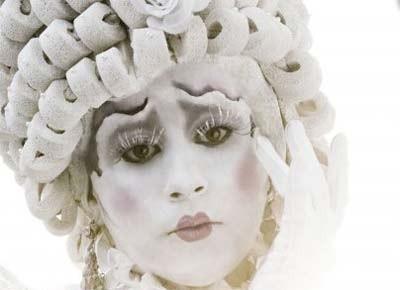 Lady-Sylvia-image1-400x290